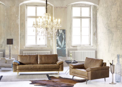 Living-Tufted-3-Tomi-M