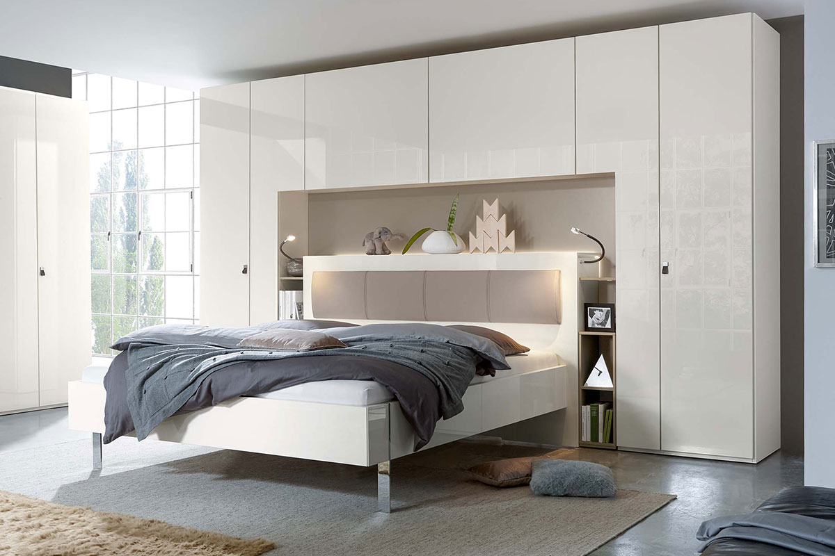 Loddenkemper-bedrooms_bridge_high-gloss-bianco-white-sahara-lacquer-9320-13-AM-(2)