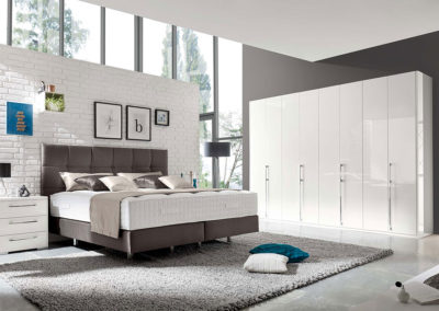 Loddenkemper_bedrooms_couture-toronto-qk-maximum_9874-9875-high-gloss-bianco-white-05-AM-(1)