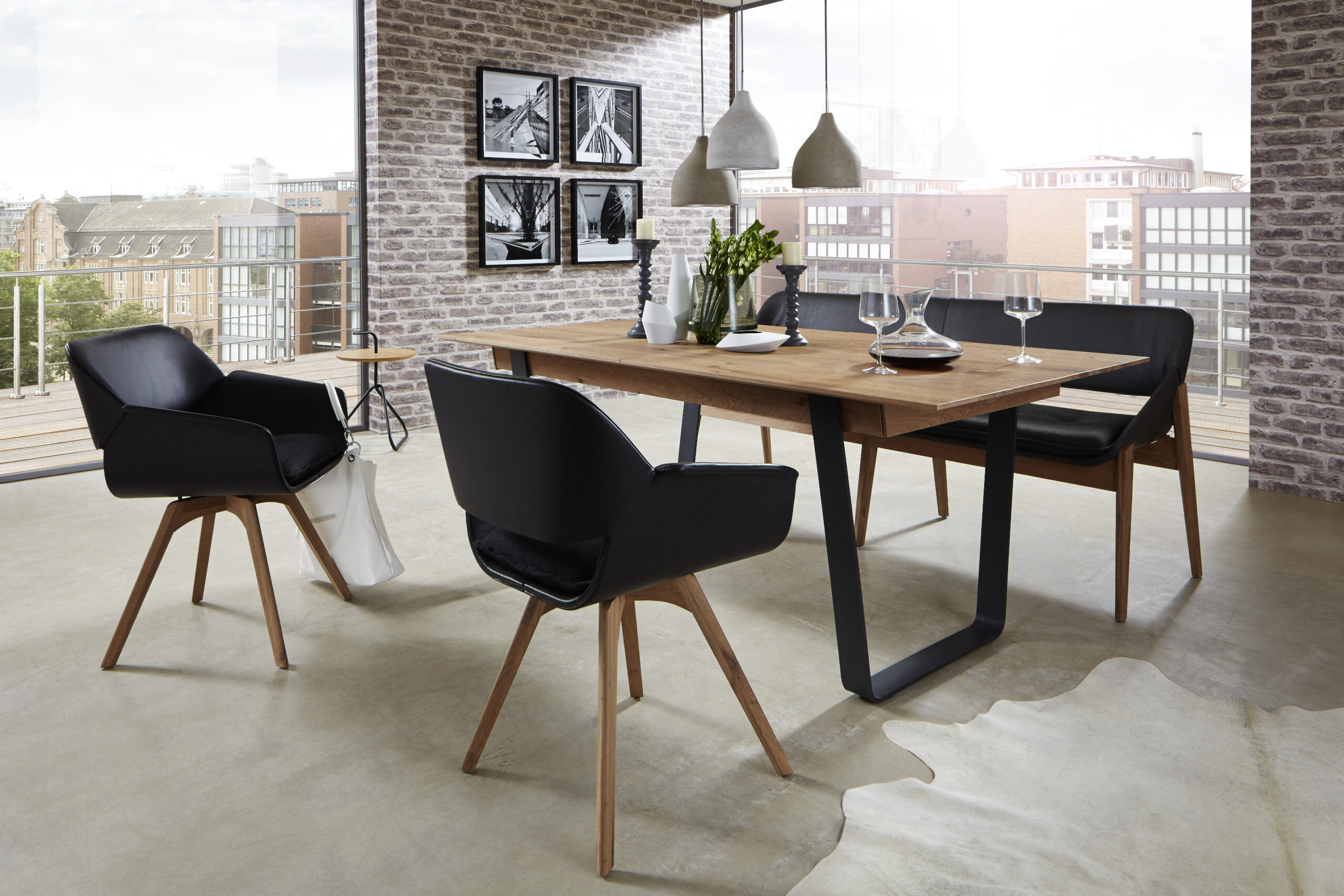 Dining table Caya